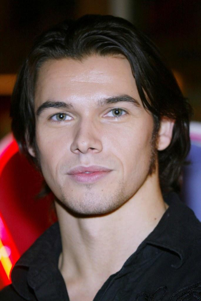 Paul Telfer at the NBC 2005 Television Critics Winter Press Tour Party.