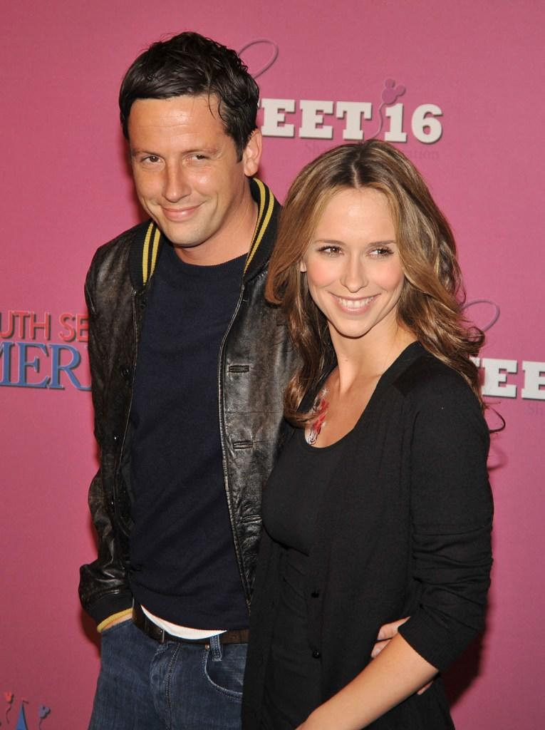 Ross McCall and Jennifer Love Hewitt at the Miley Cyrus'