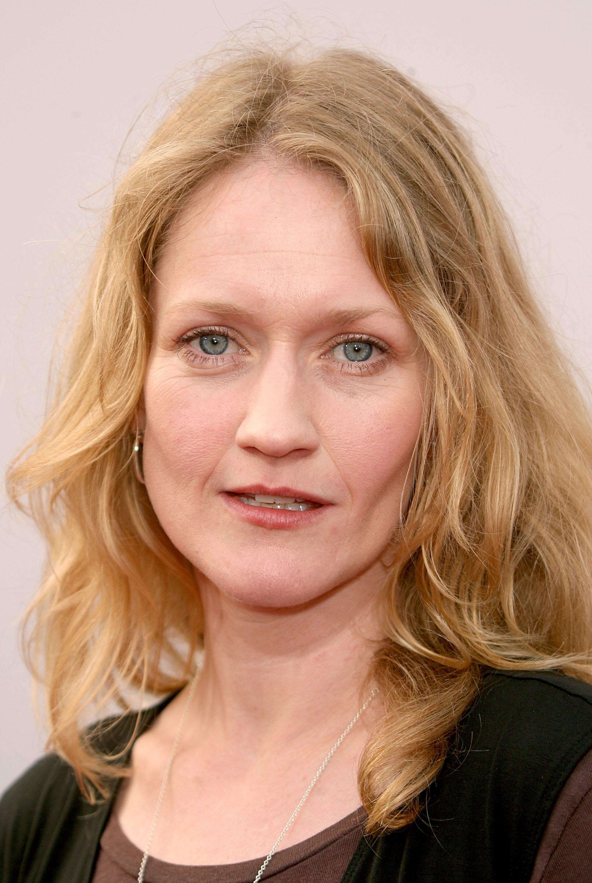 Actress Paula Malcomson arrives at the 34th AFI Life Achievement Award tribute to Sir Sean Connery held at the Kodak Theatre on June 8, 2006 in Hollywood, California.