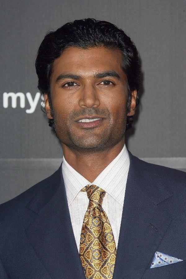 Sendhil Ramamurthy at the premiere of