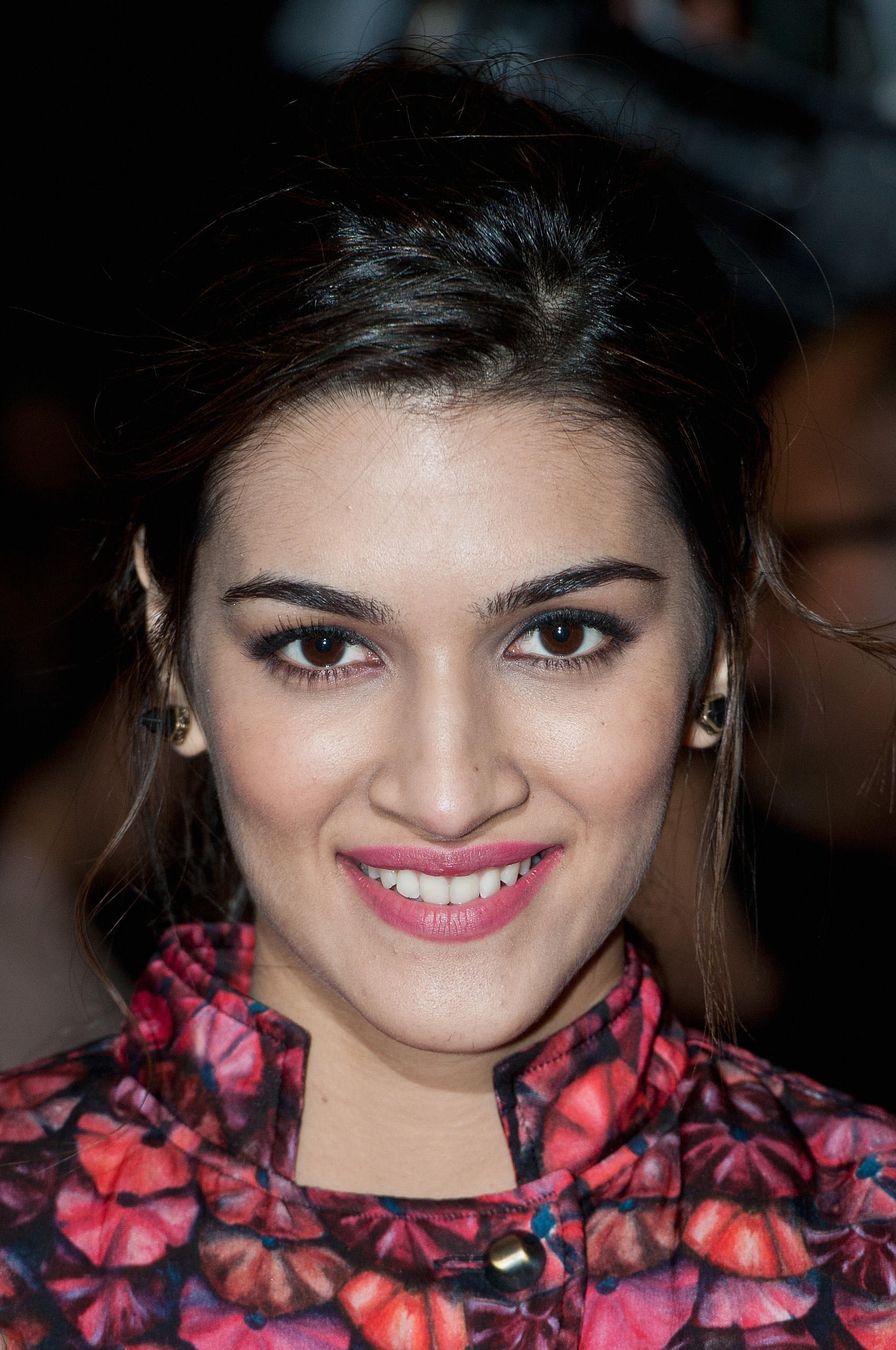 Kriti Sanon at the Photocall for Bollywood film 'Dilwale' at Cineworld Feltham.