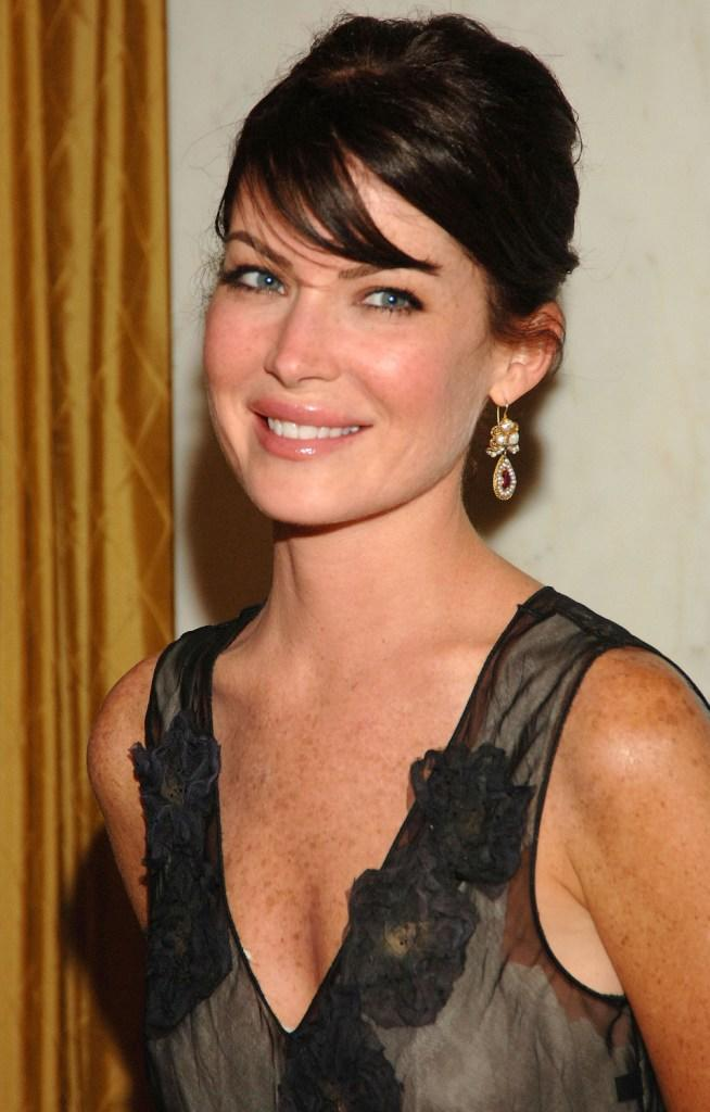 Lara Flynn Boyle Pictures and Photos