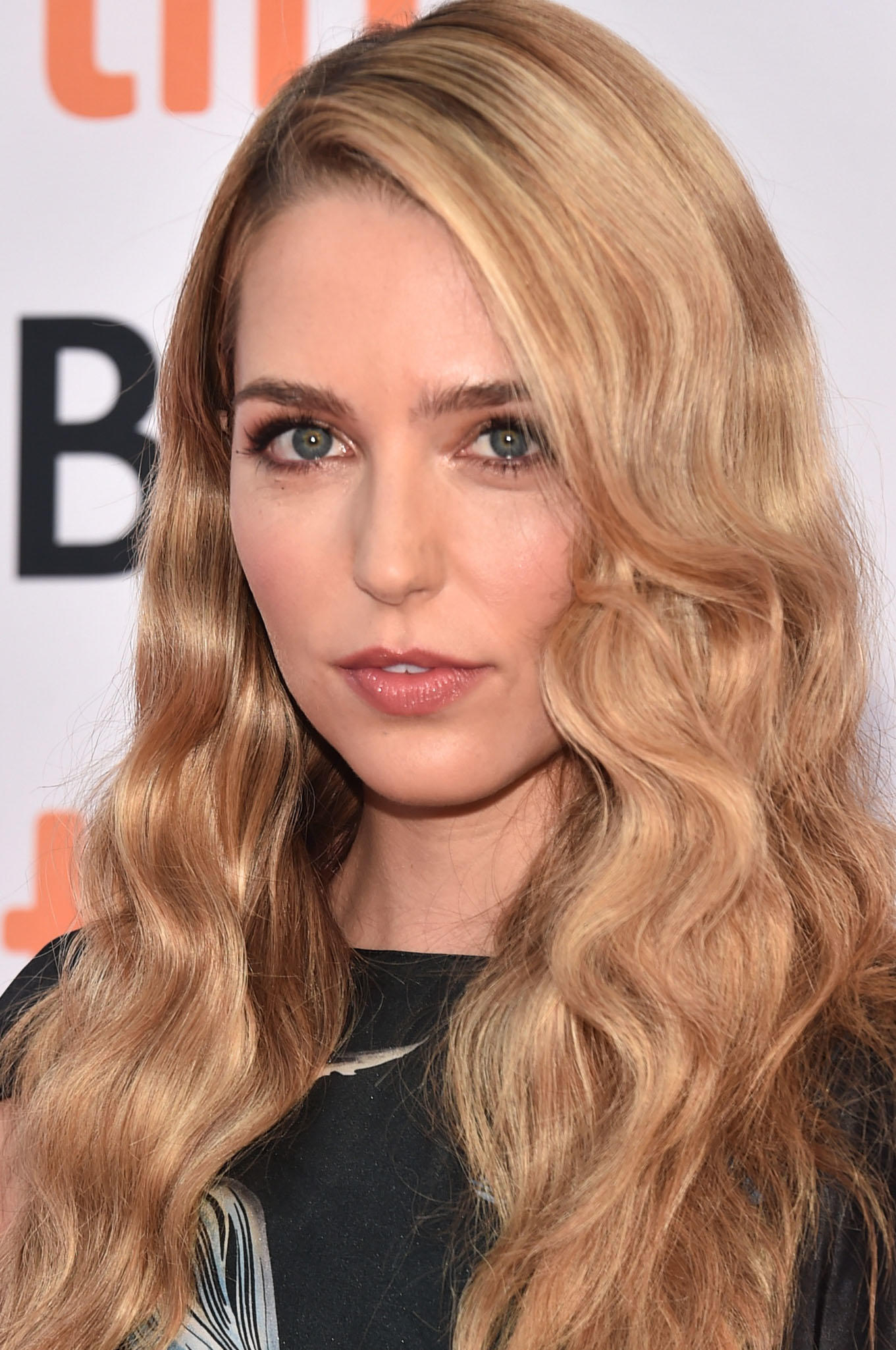 Jessica Rothe at the