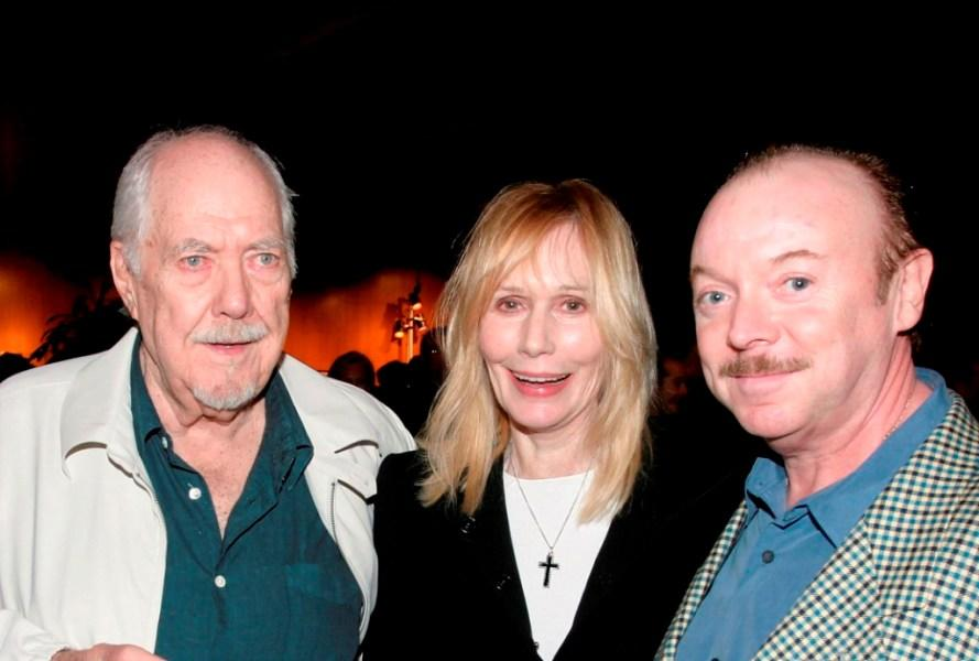 Robert Altman, Sally Kellerman and Bud Cort at the world premiere of