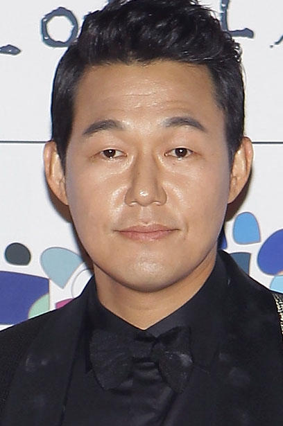 Park Sung-Woong during the 34st Blue Dragon Film Awards in Seoul.