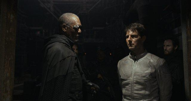 Morgan Freeman and Tom Cruise in