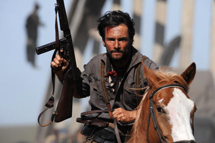 Rodrigo Santoro as Oriol in