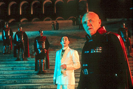 Alan Cumming as Saturninus and Anthony Hopkins as Titus in