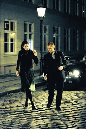 Helena Christensen and Ulrich Thomsen in