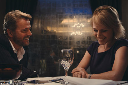 Aidan Quinn as Nicholas and Iben Hjejle as Lena in