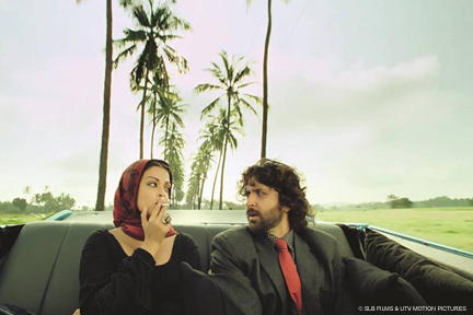 Aishwarya Rai Bachchan as Sofia and Hrithik Roshan as Ethan in