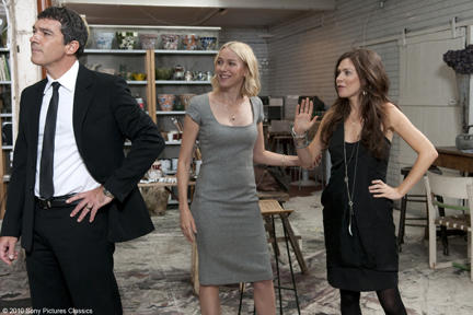 Antonio Banderas as Greg, Naomi Watts as Sally and Anna Friel as Iris in