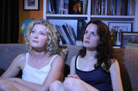Grace (Gretchen Mol) and Allegra (Elizabeth Reaser) in