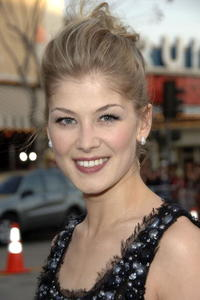 Actress Rosamund Pike at the L.A. premiere of