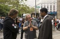 Russell Crowe and Denzel Washington on the set of