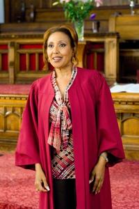 Telma Hopkins as Lillian Roanoke in