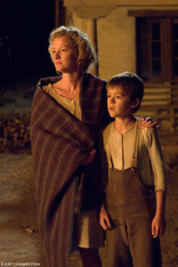 Alice Evans (Gretchen Mol) and Mark Evans (Ben Petry) in