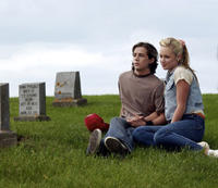 Michael Angarano as Mitch Akers and Danielle Savre as Cindy Iverson in