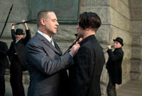 Russell Crowe as Pearly Soames and Colin Farrell as Peter Lake in