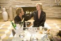 Jason Lewis as Smith Jerrod and Kim Cattrall as Samantha Jones in