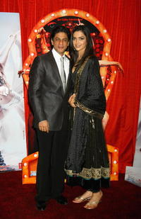 Actors Shah Rukh Khan and Deepika Padukone at a London photocall for