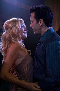 Kate Hudson as Alexis and Dane Cook as Tank in