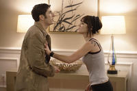 Jason Biggs as Dustin and Lizzy Kaplan as Ami in