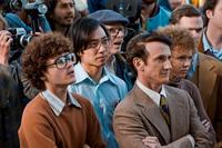 Emile Hirsch as Cleve Jones, Kelvin Yu as Michael Wong, Sean Penn as Harvey Milk and Alison Pill as Anne Kronenberg in