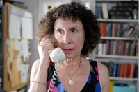 Rhea Perlman as Reisele in