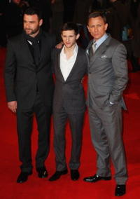 Liev Schreiber, Jamie Bell and Daniel Craig at the red carpet of the European premiere of
