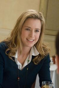 Tea Leoni as Gwen in