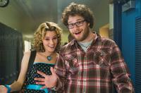 Elizabeth Banks and Seth Rogen in