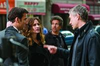 Clive Owen, Julia Roberts and Writer/director Tony Gilroy on the set of