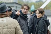 Director Kevin Macdonald and Rachel Mcadams on the set of