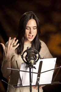Jennifer Connelly voices #7 in