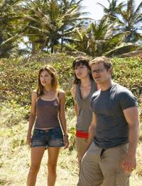 Kiele Sanchez as Gina, Milla Jovovich as Cydney and Steve Zahn as Cliff in