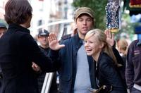 Jon Heder, Mark Steven Johnson and Kristen Bell on the set of