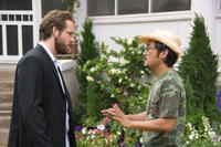 Ryan Reynolds and director/screenwriter Dennis Lee on the set of