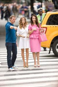 Writer/producer/director Michael Patrick King, Sarah Jessica Parker and Kristin Davis on the set of
