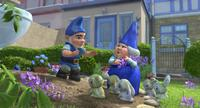 Gnomeo and Lady Bluebury in
