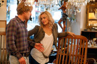 Owen Wilson as Gil and Rachel McAdams as Inez in