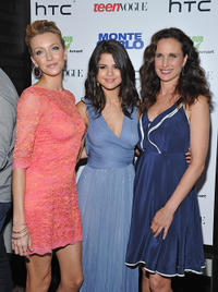 Katie Cassidy, Selena Gomez and Andie MacDowell at the New York premiere of