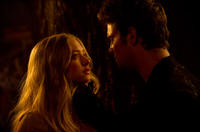 Amanda Seyfried as Valerie and Shiloh Fernandez as Peter in