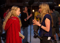 Amanda Seyfried and director Catherine Hardwicke on the set of