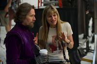 Gary Oldman and director Catherine Hardwicke on the set of