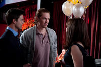 Colin Egglesfield as Dex, Steve Howey as Marcus and Ginnifer Goodwin as Rachel in