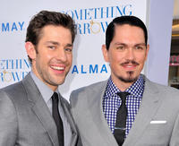 John Krasinski and Steve Howey at the premiere of