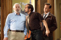 Donald Sutherland as Jack Pellit, Colin Farrell as Pellit Jr. and Jason Sudeikis as Kurt in