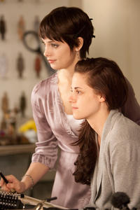 Ashley Greene as Alice and Kristen Stewart as Bella Swan in
