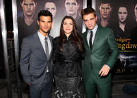 Taylor Lautner, author Stephenie Meyer and Robert Pattinson at the California premiere of